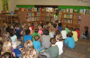 Cindi Clawson (WNDU) has our kindergarten students full attention.